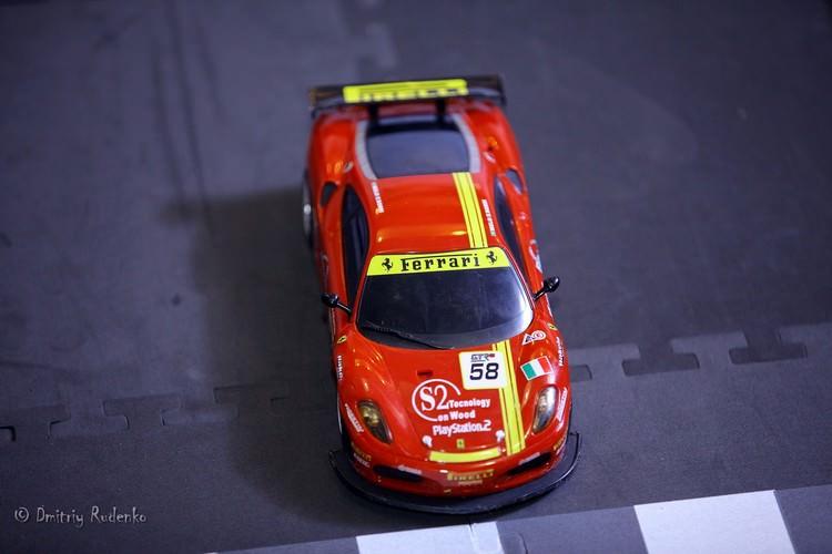 Машинка 1:20